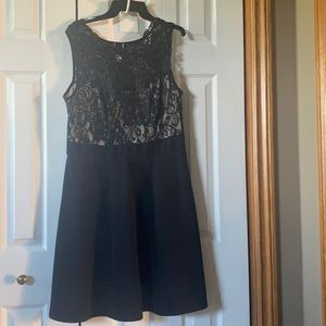 Black and nude lace dress size 1X